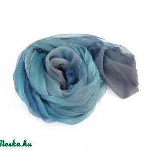 Kék szemű ombré festésű hernyóselyem chiffon stóla (Hera) - Meska.hu