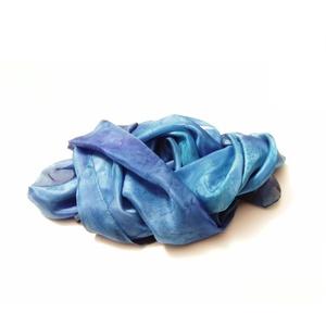 Kék márvány hernyóselyem stóla, Stóla, Sál, Sapka, Kendő, Ruha & Divat, Selyemfestés, Az éjszaka kékjei márványos színátmeneteivel kézzel festettem sálamat. Enyhén fényes felületű selyem..., Meska