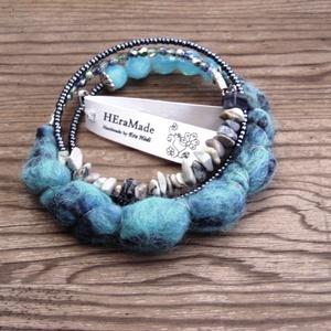 Kék bohém karkötő kék szürke árnyalatban (Hera) - Meska.hu