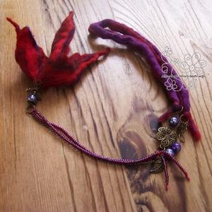 Angyal virág nemez nyaklánc piros lila (Hera) - Meska.hu