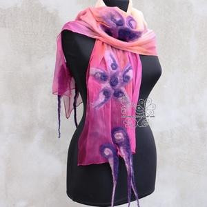 Pink virágos nuno nemez sál színátmenetes, Sál, Sál, Sapka, Kendő, Ruha & Divat, Selyemfestés, Nemezelés, Pink, barack és lila árnyalatok kombinációja selyem sálon merino gyapjúval bohém változatban. Romant..., Meska