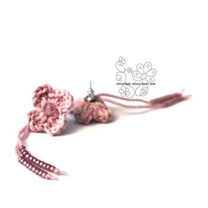 Rózsaszín kisvirág bedugós fülbevaló (Hera) - Meska.hu