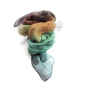 Színátmenetes barna zöld Ombré selyem kendő, Táska, Divat & Szépség, Ruha, divat, Női ruha, Estélyi ruha, Selyemfestés, Színátmenetes barna-zöld Ombré hernyóselyem kendőm őszi színekben pompázik. \nMárvány foltjait ecsett..., Meska
