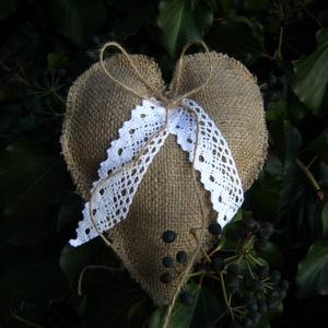 Rusztikus gyűrűpárna, Esküvő, Gyűrűpárna, Varrás, Romantikus/rusztikus szív alakú gyűrűpárna, az un. green wedding elengedhetetlen kelléke.   Méretei..., Meska
