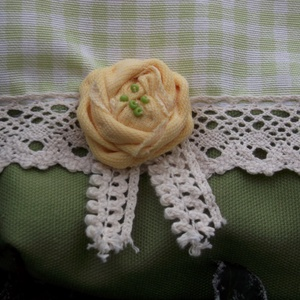 -20%  -----> The Yellow Rose. Zipes neszeszer.  (herisson) - Meska.hu