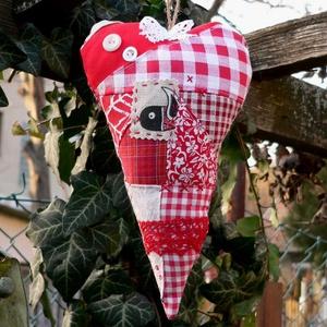 BIRDIE IN RED.  Szív alakú függődísz ajtóra/ablakra (herisson) - Meska.hu