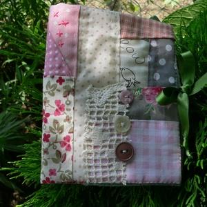 BIRDIE and ROSES. Romantikus tűkönyv., Lakberendezés, Otthon & lakás, NoWaste, Varrás, Patchwork, foltvarrás,  ....  anyukáknak, nagyiknak, nagylányoknak vagy virágtündéreknek :)\n\nKedvenc kis maradék anyagaimbó..., Meska