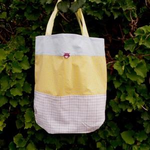 MOSÓMEDVE. Shopper., Shopper, textiltáska, szatyor, Bevásárlás & Shopper táska, Táska & Tok, Varrás, Újrahasznosított alapanyagból készült termékek, Különféle, főként fagyi-színű :) vásznak  kombinációja, az újrahasznosítás jegyében.\n\nBohém, különle..., Meska