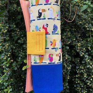 CLUB TROPICANA. Egzotikus papagájos foltvarrott ceruzatekercs., Táska, Divat & Szépség, Táska, Gyerek & játék, Gyerekszoba, Tárolóeszköz - gyerekszobába, Varrás, Újrahasznosított alapanyagból készült termékek, 42 * 26 cm nagyságú ceruzatekercs,\n\nés a kedves rikácsoló esőerdő-lakóktól még a tanulás is öröm les..., Meska