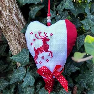 RAINDEER. Felakasztható karácsonyi dekorácó., Karácsony, Karácsonyi lakásdekoráció, Karácsonyi lakásdíszek, Hímzés, Varrás, Meska
