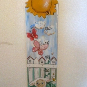 Báránykás MAGASSÁGMÉRŐ, Gyerek & játék, Dekoráció, Otthon & lakás, Baba-mama kellék, Lakberendezés, Festészet, Famegmunkálás, Hermaresz dekor\n\n\nMesefigurás fali magasságmérő egyedi készítésű!\n\n\nFa alapanyagból készült egyedi f..., Meska
