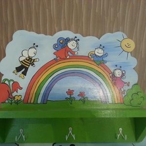 FENYŐ FALIPOLC KÖNYVESPOLC , Gyerek & játék, Gyerekszoba, Gyerekbútor, Lakberendezés, Otthon & lakás, Famegmunkálás, Festett tárgyak, Fenyőfa fali könyvespolc \n\nHermaresz dekor\n\n\nFenyőfából készült kézzel festett falipolc\n\n\nSzép egysz..., Meska