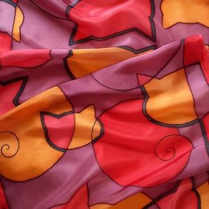 narancs-vörös cicás selyemsál, Ruha & Divat, Sál, Sapka, Kendő, Sál, Selyemfestés, Ragyogó, meleg színek, játékos, absztrakt cicaformákkal. Bármilyen öltözéket feldob, különlegessé te..., Meska