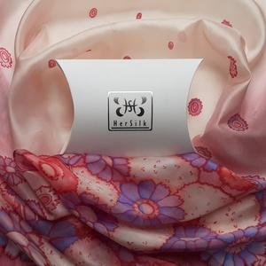 Romantikus, virágos selyemsál, Ruha & Divat, Sál, Sapka, Kendő, Sál, Selyemfestés, Nagyon nőies színvilágú sálat festettem, bordó, piros, rózsaszín, lila és bézs árnyalatokkal.\nA sál ..., Meska