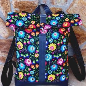 Türkizkék- virágmintás hátitáska- vízálló- valódi bőrrel - laptoptáska, Táska & Tok, Roll top hátizsák, Hátizsák, Sötétkék marhabőrrel, illetve türkizkék, kék-sárga-zöld-bordó mintás vízlepergető gyöngyvászonnal ké..., Meska