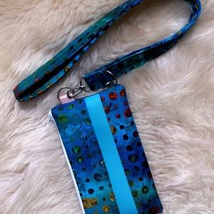 Türkizkék -zöld mintás hosszú kulcstartó/azonosítókártyához + mobiltartóval szettben.  , Táska, Divat & Szépség, Kulcstartó, táskadísz, Táska, Neszesszer, Pénztárca, tok, tárca, Varrás, Türkizkék, zöld- narancs-piros mintás designer textillel és türkizes textilbőrrel készült a tartó el..., Meska