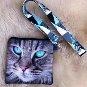 Türkiz-zöld-fehér fekete cicás  kulcstartó/azonosítókártya tartó + mini pénztárcával szettben.  , Táska, Divat & Szépség, Kulcstartó, táskadísz, Táska, Neszesszer, Pénztárca, tok, tárca, Varrás, Szürke alapon türkiz-zöld - szürke - cicás gyöngyvászonnal készült a tartó eleje, háta fekete puha s..., Meska