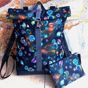 Türkizkék- kék - fekete hátitáska nagyobb méret - laptop táska valódi bőrrel+neszi/tolltartó, Táska & Tok, Hátizsák, Roll top hátizsák, Kék marhabőrrel, illetve fekete alapon kék-türkizkék, lila, bronzos tollmintás vízálló - erős, gyöng..., Meska