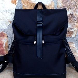 Fekete vízálló hátitáska- fekete valódi bőrrel - laptoptáska - nagyobb méret, Táska & Tok, Hátizsák, Roll top hátizsák, Fekete marhabőrrel, illetve fekete erős vízálló szövettel készült  a táska eleje és háta. A hátizsák..., Meska