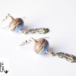 ODINA, lámpagyöngy fülbevaló ezüsttel, Ékszer, Fülbevaló, Lógó fülbevaló, Üvegművészet, A fülbevalót saját készítésű, orgona és levendula lila alapon organikus mintás lámpagyöngyök és ezüs..., Meska