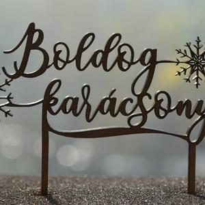 """Tortabeszúró, Boldog Karácsonyt, hópelyhes, lézervágott, 4 mm vastag, Kulinária (élelmiszer), Édességek, Otthon & lakás, Dekoráció, Ünnepi dekoráció, Karácsony, Karácsonyi dekoráció, Famegmunkálás, Festett tárgyak, Karácsonyi tortabeszúró \""""Boldog Karácsonyt!\"""" felirattal, 4 mm-es rétegelt nyírfából lézervágással ké..., Meska"""