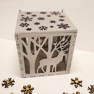 Mécsestartó házikó, karácsonyi mintával, lézervágott, Gyertya & Gyertyatartó, Dekoráció, Otthon & Lakás, Famegmunkálás, Festett tárgyak, Mécsestartó házikó, 4 mm-es rétegelt falemezből karácsonyi mintákkal lézerrel kivágva. A belsejébe e..., Meska
