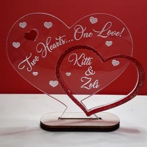 Ajándék szív szerelmespárnak, nevekkel, Esküvő, Emlék & Ajándék, Nászajándék, Famegmunkálás, Mindenmás, Plexiből készült lézervágással és hátoldali gravírozással, személyre szabottan, mivel a belső szívbe..., Meska