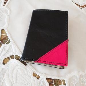Kártya tartó, Egyéb, Bőrművesség, Ez a kártya tartó  fekete  és pink színű bőr felhasználásával készült. A tárcát világos színű nagyon..., Meska