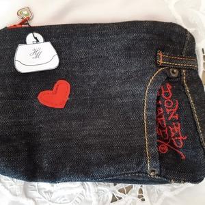 DONED HARDY farmer neszeszer, Táska, Divat & Szépség, Táska, Neszesszer, Varrás, A táskát újrahasznosított farmer anyagból készítettem és újrahasznosított selyemmel béleltem. A tásk..., Meska