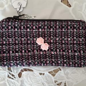 rózsaszín rózsás neszeszer, Táska, Divat & Szépség, Táska, Neszesszer, Bőrművesség, Varrás, A táskát puha szövet anyagból készítettem, melyet pöttyös pamutvászonnal béleltem, elejére műanyag r..., Meska
