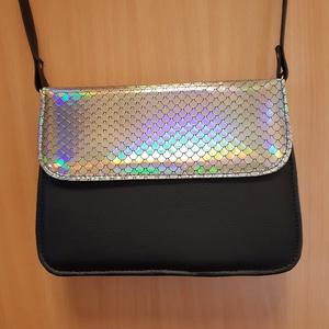 Kosztüm táska disco hangulatban, Vállon átvethető táska, Kézitáska & válltáska, Táska & Tok, Bőrművesség, Varrás, Ezt a táskát kétféle textilbőr kombinálásával készítettem.\nA táska felső szélessége 24 cm, magassága..., Meska