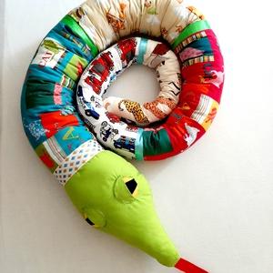 Rácsvédő kígyó, Más figura, Plüssállat & Játékfigura, Játék & Gyerek, Varrás, Rácsvédő kígyó, a gyerekek kedvence. Használhatod rácsos ágyban, vagy gyerekágyban. Leesésgátló funk..., Meska