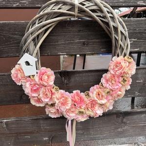 Rózsaszín kopogtató, Otthon & Lakás, Dekoráció, Ajtódísz & Kopogtató, Virágkötés, Vesszőalap, rózsaszín virágokkal ., Meska