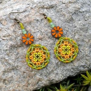 Tavaszváró fülbevaló, Ékszer, Fülbevaló, A színekben is egyre inkább kívánjuk a melegedést, legalább  a kedvünk feldobja kicsit. Zöldes, nara..., Meska