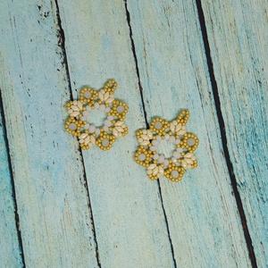 Jázmin csillag fülbevaló, gyöngy, gyöngyékszer, gyöngy fülbevaló - ékszer - fülbevaló - lógó fülbevaló - Meska.hu
