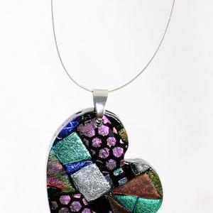 Mozaik mintás, szív alakú színes üvegékszer, medál, Medálos nyaklánc, Nyaklánc, Ékszer, Ékszerkészítés, Üvegművészet, Többszöri olvasztással, csiszolással, különleges  dicroich irizáló üvegbőlkészült medál. Mérete kb.3..., Meska