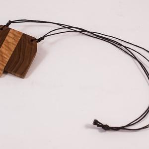 Fa medál, nyakbavaló, nyaklánc (hollossybela) - Meska.hu