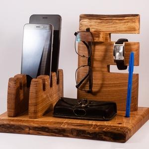 Mobil-, szemüveg-, óra-, toll tartó, asztali rendező, Férfiaknak, Otthon & lakás, Lakberendezés, Tárolóeszköz, Famegmunkálás, Tölgyfából készült tároló. 3 telefon, szemüveg és toll, ceruza. A kép minta. Van készen, tudjuk küld..., Meska