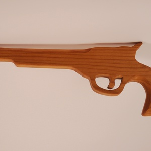 Játék fa pisztoly, Gyerek & játék, Játék, Fajáték, Famegmunkálás, Cseresznyefából készült fa pisztoly.\nMérete:35x13x2cm, Meska