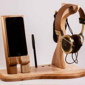 Fejhallgató, és mobiltelefon tartó, asztali rendező, Férfiaknak, Otthon & lakás, Lakberendezés, Tárolóeszköz, Juharfából készült  fejhallgató, és telefontartó. A kép minta, rendelésre készül.  Mérete kb. 36x20x..., Meska