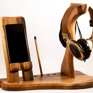 Fejhallgató, és mobil tartó, asztali rendező, Férfiaknak, Otthon & lakás, Lakberendezés, Tárolóeszköz, Famegmunkálás, Diófából készült  fejhallgató, és telefontartó.\nA kép minta, rendelésre készül.\n\nMérete kb. 36x20x30..., Meska