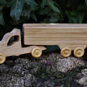 Játék fa kamion, fakocsi, Gyerek & játék, Játék, Fajáték, Famegmunkálás, Hegyijuharfából készült játék. Színtelen olajjal kezelve. Van most készen, azonnal tudjuk küldeni.\nM..., Meska
