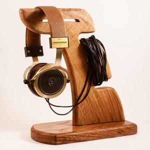 Fejhallgató tartó, fülhallgató tartó, Férfiaknak, Otthon & lakás, Lakberendezés, Tárolóeszköz, Famegmunkálás, Tölgyfából készült fejhallgató tartó. \nMérete:29x23x12cm\nA kép minta. Rendelésre készül.\n\n\n\n\n..., Meska