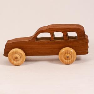 Játék faautó, fakocsi, terepjáró, Gyerek & játék, Játék, Fajáték, Famegmunkálás, Körtefából készült kocsi. Paraffinolajjal kezelve.\nMérete:15x6x5cm, Meska
