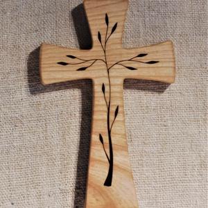Mintás fakereszt , Egyéb, Vallási tárgyak, Mogyorófából készült, falra akasztható kereszt. Lombfűrésszel átvágott minta. Mérete:19x12x2cm..., Meska