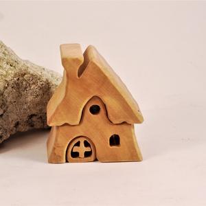 faház, fa építő, házikó, Gyerek & játék, Játék, Fajáték, Készségfejlesztő játék, Famegmunkálás, Vadgesztenyefából készült, szétszedhető\ngyerekjáték, vagy  szobadísz.\nSzíntelen olajjal kezelve.\nMér..., Meska