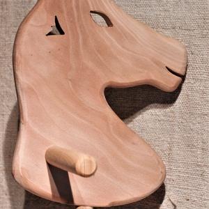 Játék fa ló, Szerepjáték, Játék & Gyerek, Famegmunkálás, Platán, és bükkfából készült fajáték.\nMérete: 76x27x19cm. Színtelen olajjal kezelve. Nincs színezve,..., Meska