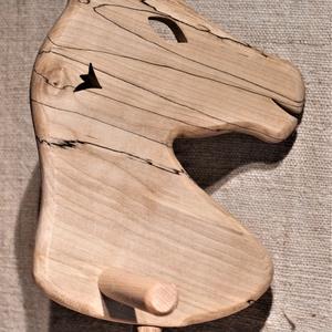 Játék fa ló, Szerepjáték, Játék & Gyerek, Famegmunkálás, Juhar, és bükkfából készült fajáték.\nMérete: 76x27x19cm. Színtelen olajjal kezelve. Nincs színezve, ..., Meska