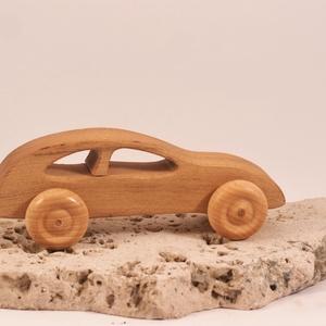 Játék fa autó, fakocsi, , Húzó & Tolójátékok, Játék & Gyerek, Famegmunkálás, Akácfából készült kocsi. Paraffinolajjal kezelve.\nMérete:14,5x4,5x5,5cm, Meska