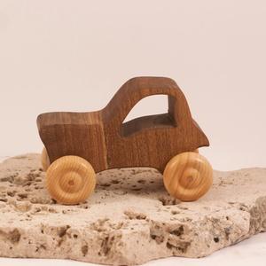 Játék fa traktor, faautó, fakocsi, , Húzó & Tolójátékok, Játék & Gyerek, Famegmunkálás, Diófából készült traktor. Paraffinolajjal kezelve.\nMérete:10,5x7x5,5cm, Meska